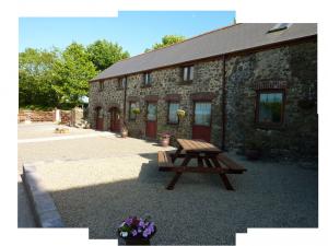 Cottage circle